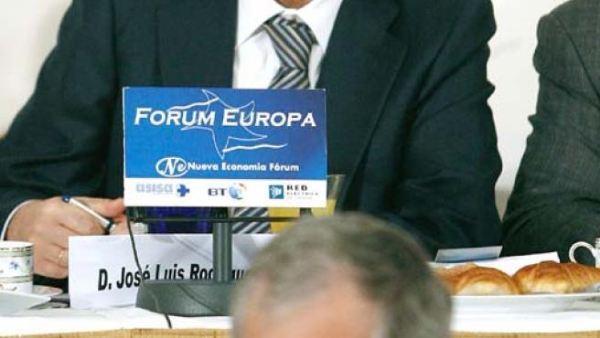 El presidente del Gobierno, Rodríguez Zapatero, hoy, presidiento la apertura del foro Nueva Economía.