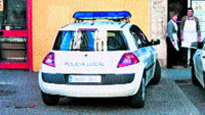 La lectora Julia Ramos dice que observa cómo los policías locales se preocupan por hacernos cumplir las normas y de sancionarnos.