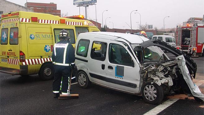 El conductor de la furgoneta es que el peor parado ha salido en este accidente ocurrido en la M-40 (EMERGENCIAS 112)