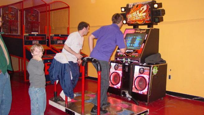 Las máquinas de baile se instalarán en todos los colegios de Virginia Occidental. (Peanut Butter Words)