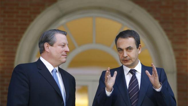 José Luis Rodríguez Zapatero (dcha)y Al Gore, en el Palacio de la Moncloa (Foto: Efe)