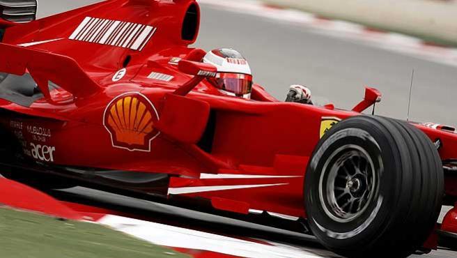 Kimi Raikkonen en su Ferrari. (Efe)