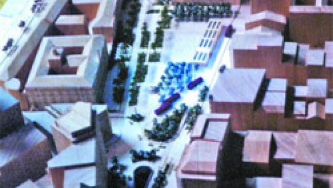 La futura plaza (foto) ofrece zonas más abiertas para el tráfico y los viandantes.