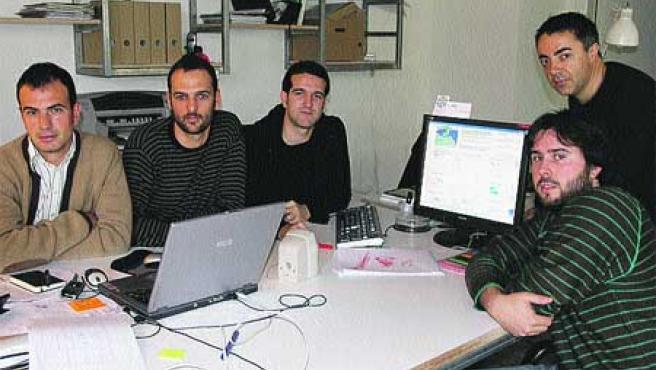 Los componentes del equipo In Situ, en su estudio. (F. J. Mompeán).