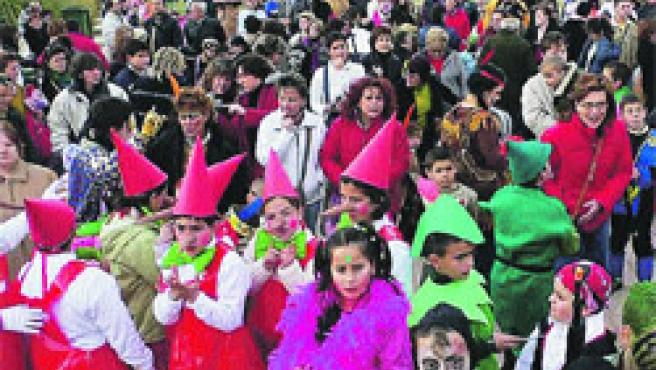 Los chavales disfrutaron ayer del carnaval en Mutxamel.