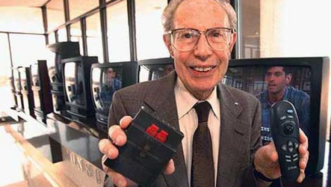 Robert Adler, el coinventor del mando a distancia.