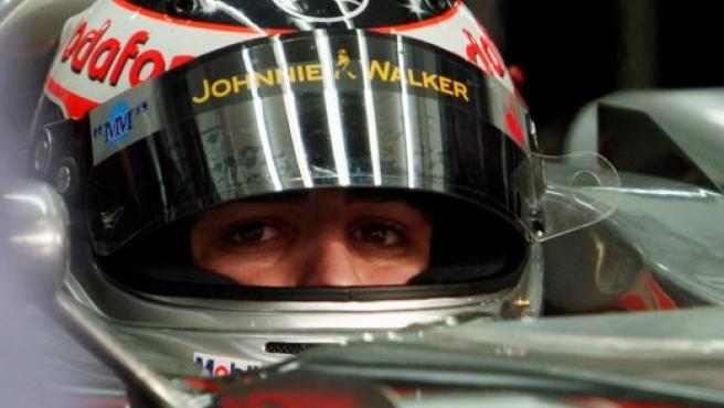 Fernando Alonso, en los entenamientos en Bahrein (AP Photo).
