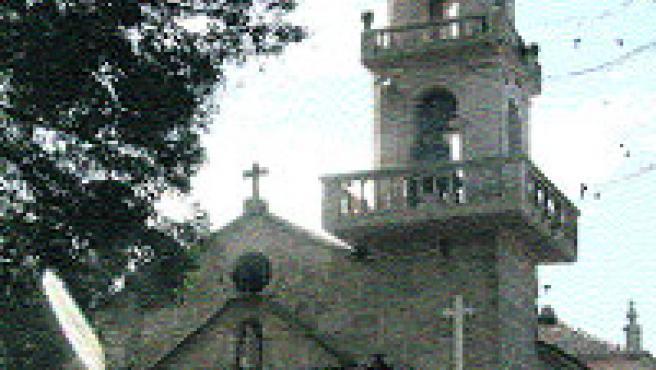 La parroquia de Santa Cristina, amenazada por el PXOM. (L. González)