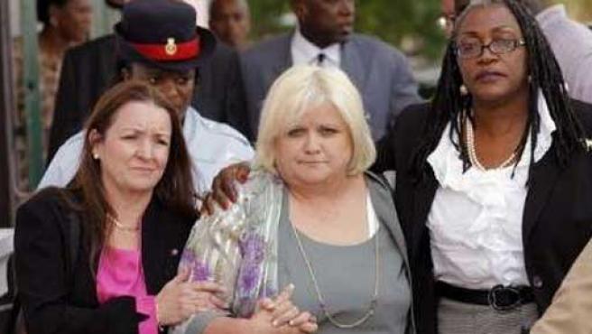 La madre de Anna Nicole Smith a la salida del juzgado en Florida / Foto: REUTERS