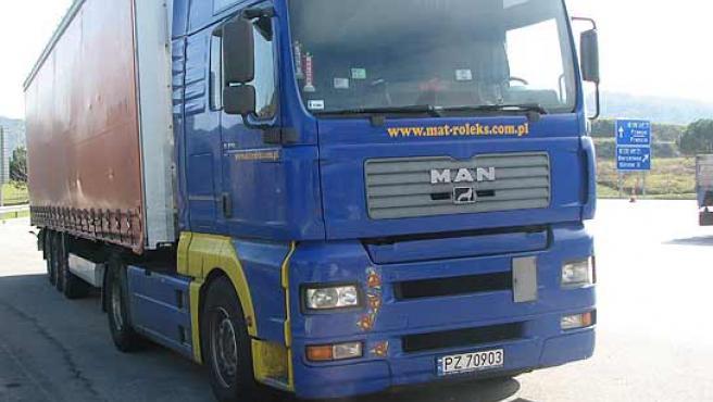El vehículo del camionero polaco ha quedado inmovilazado. (ACN)