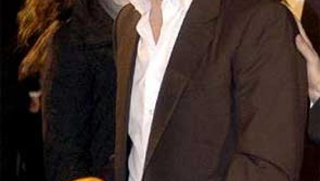 Hugh Grant encadenado (Foto:EFE)