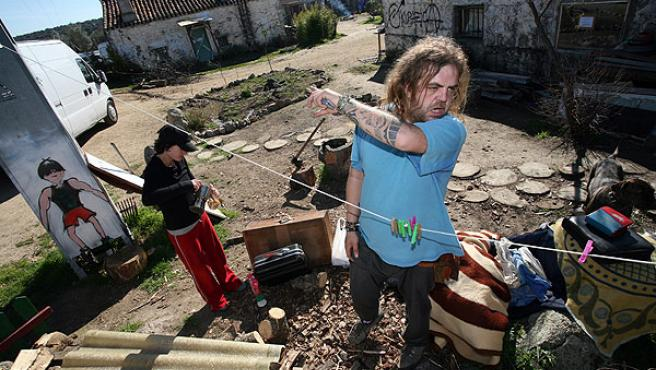 Okupas desalojados por el presunto estado ruinoso de unas casas.