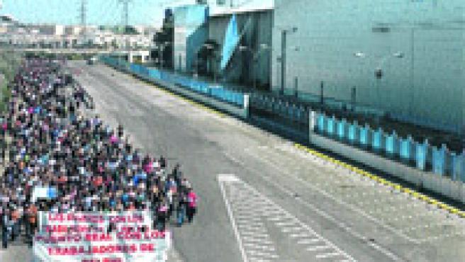 Desde Puerto Real hasta la fábrica. (EFE/JORGE ZAPATA)