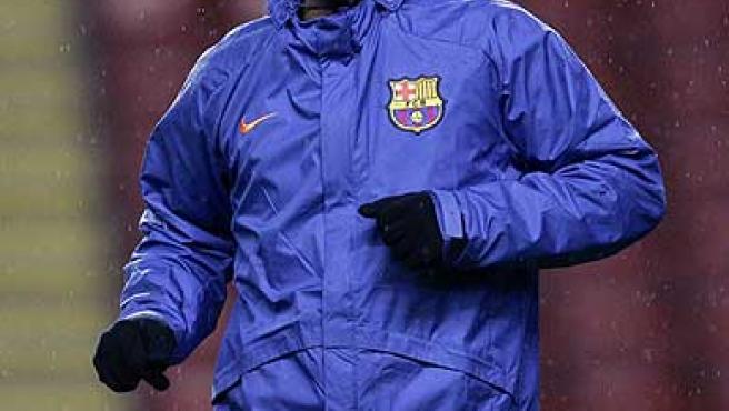 Ronaldinho sonríe durante un entrenamiento. (AP)