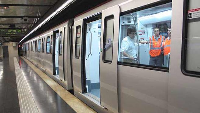 Els nous trens de la Línia 4 del Metro ja funcionen en altres línees.