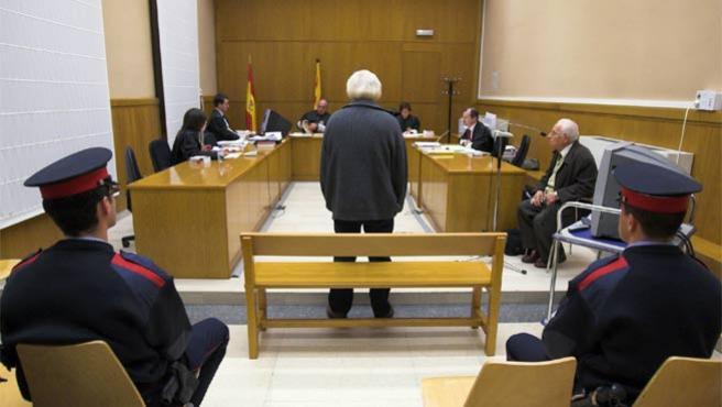 Michael Jason E. comparece en los juzgados de Barcelona (Foto: Efe)