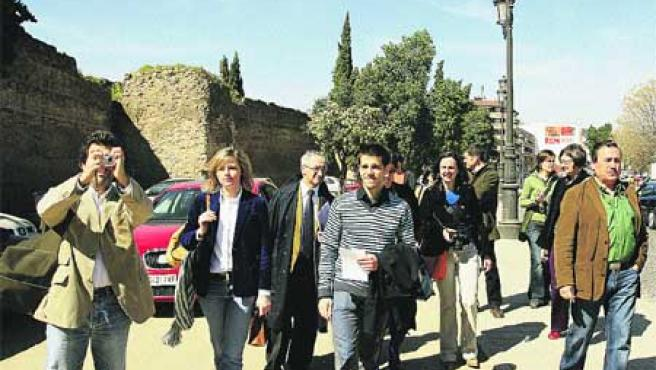 Visita de los arquitectos al Marrubial antes de presentar sus propuestas de remodelación.(José Rojas)