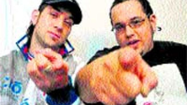 Hipnotik son Yoke y DJ Dhobe.
