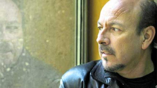 Javier Ruibal nació en Puerto de Santa María (Cádiz) y tiene en el mercado más de diez discos.