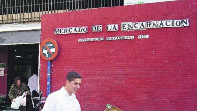 El mercado de la Encarnación (Sevilla) lleva 34 años provisional(C. Ortega).