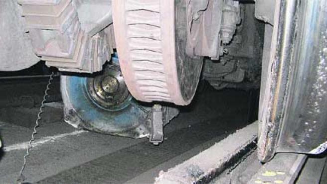 Imagen del motor que propició el descarrilamiento de un tren (Com. de Madrid)