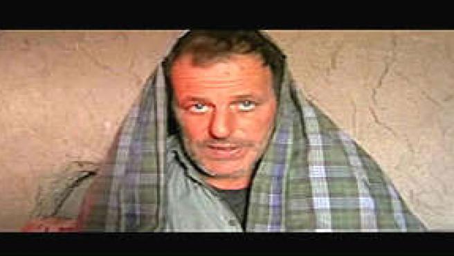 Una de las apariciones en vídeo del periodista, después de ser secuestrado (Foto: La Repubblica)