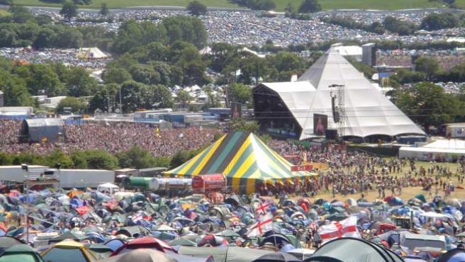Vista panorámica del Festival de Glastonbury.