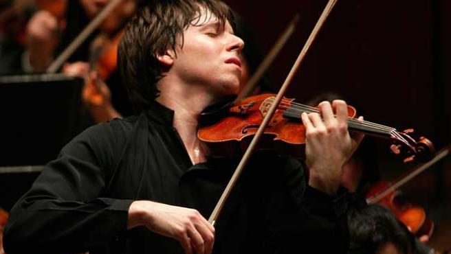 El violinista Joshua Bell, durante un concierto.
