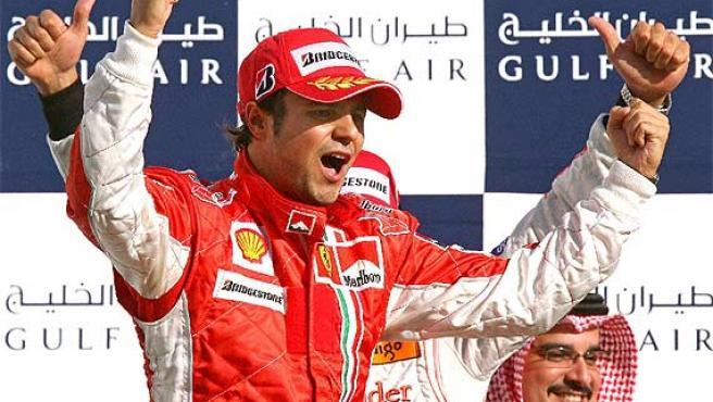 Felipe Massa celebra la victoria. (Efe)