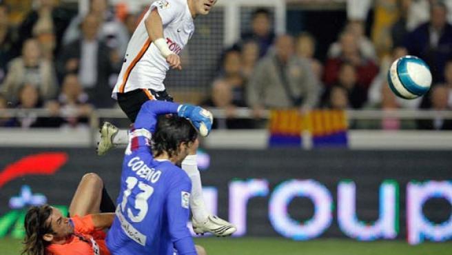 Villa en partido de Liga contra el Sevilla.