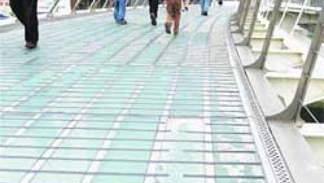 El espectacular puente de Zubi Zuri. (Begoña Hernández)