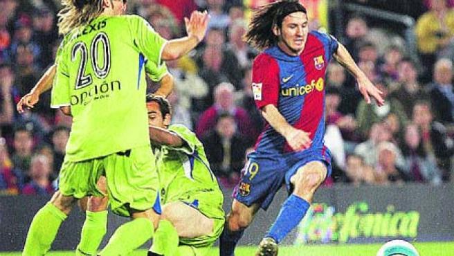 ¿Messi o Maradona?. (Olivé / EFE)
