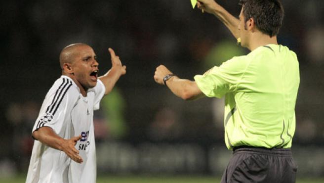 Roberto Carlos, durante un partido de Champions (Agencias).