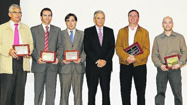 En la foto, varios premiados por sus aportaciones.
