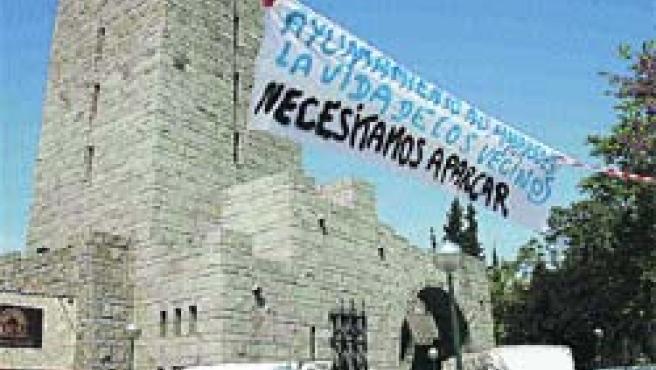 Los vecinos de Cuéllar reclamaban la explanada junto a la iglesia de San Antonio. (F. S.)