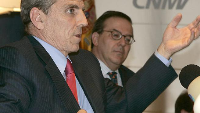Manuel Conthe, en la presentación de la Memoria de 2006 de la CNMV. (EFE).