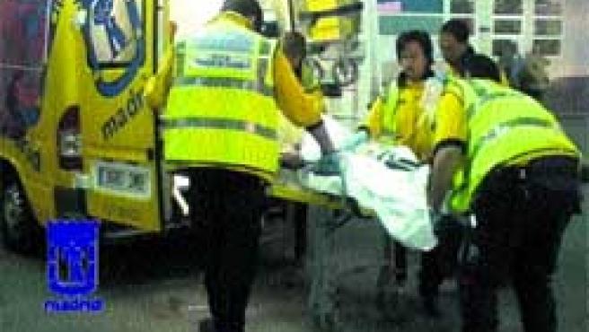 Pedro, de 57 años, en el momento en el que llegaba ayer al Hospital de La Paz, donde fue intervenido.(AyTo. de Madrid)