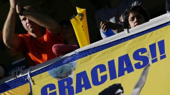 Aficionados de Boca exhibieron una pancarta de apoyo a Maradona en el último partido en La Bombonera.
