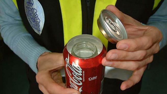 Los detenidos guardaban la droga en latas de Coca Cola que repartían en discotecas y after hours.