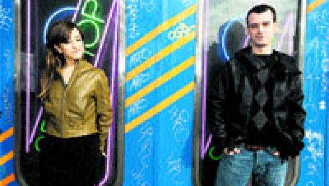 El dúo barcelonés formado por Mai Meneses (izda.) y Kim Fanlo ha recibido un Ondas al artista revelación. (Archivo)