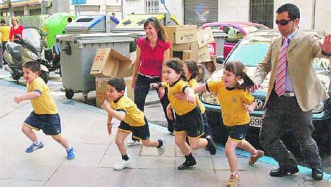 Dinero por cada kilómetro recorrido por un niño. (F. González)