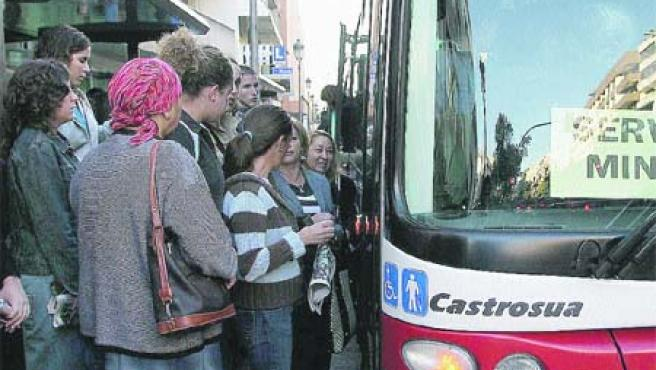 Fernando Egea considera que el bus urbano es uno de los más caros.(Torres)