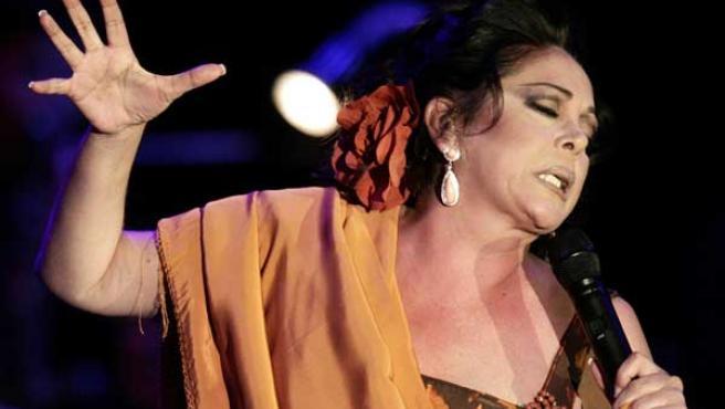 Isabel Pantoja durante su último concierto en Valladolid. (Foto: REUTERS)
