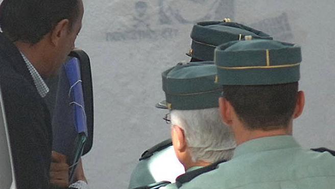 Julián Muñoz es trasladado a los juzgados (EFE).
