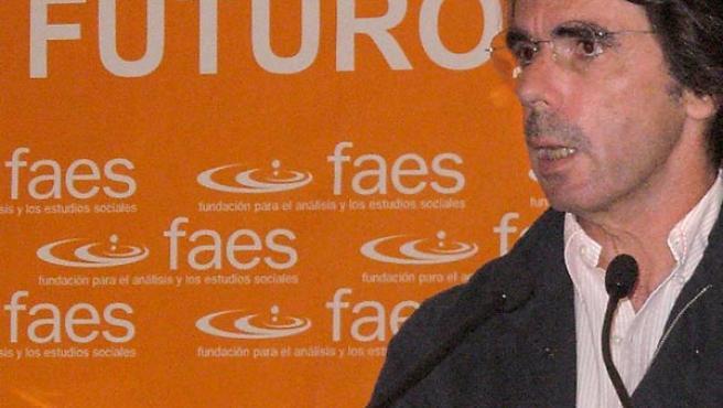 Aznar durante su comparecencia en Melilla (EFE).