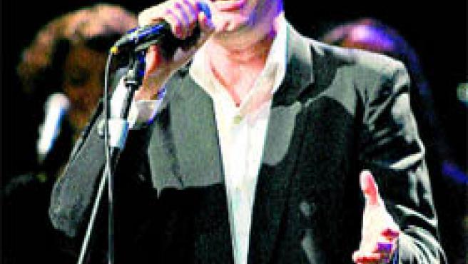 Santiago Auserón cantará sus mejores temas en Alicante.
