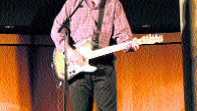 El guitarrista de Sr. Chinarro.