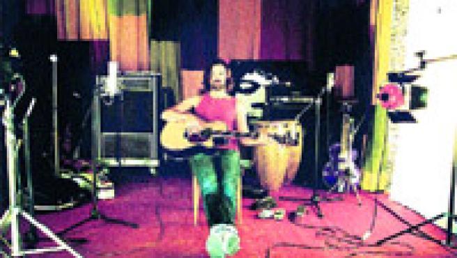 A partir del martes 22, Pau Donés y su banda recorrerán con esta gira varias ciudades europeas (Archivo).