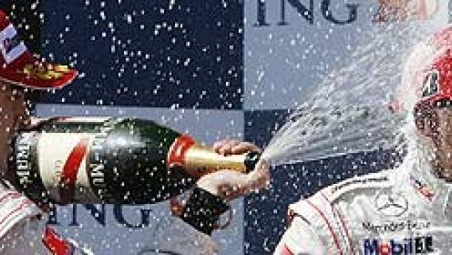 Fernando Alonso y Lewis Hamilton a 544