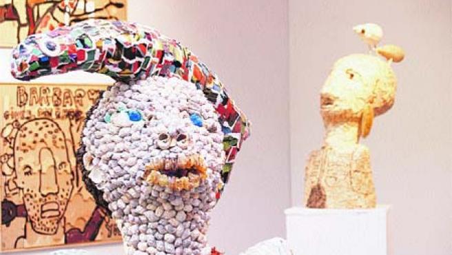 Escultura y pintura. Algunas de las obras de la artista Mª José Rekalde. (Begoña Hernández)